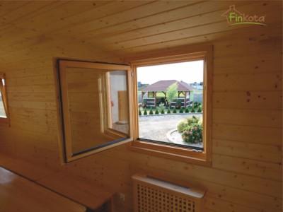 Große Fenster mit Dreh-/Kippfunktion für viel natürliches Licht