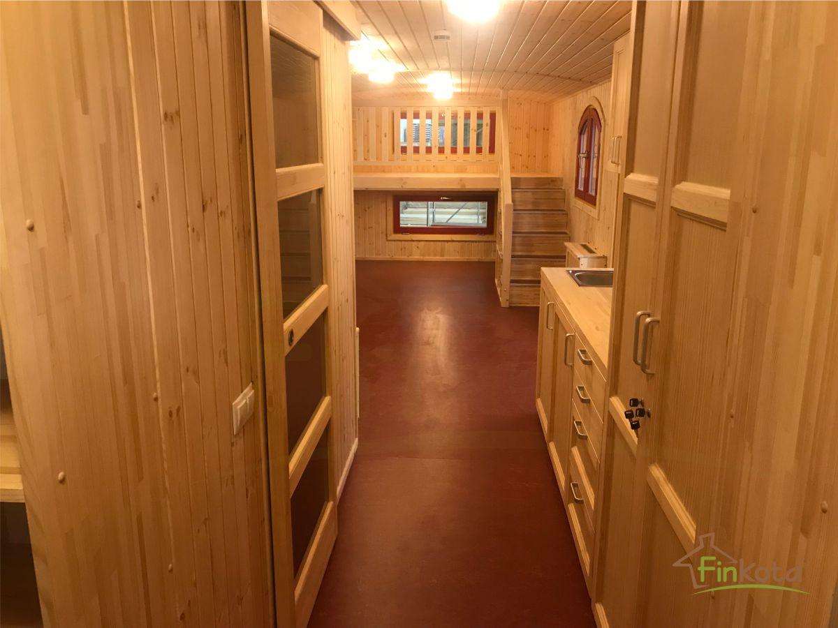 Der große Innenraum wurde individuell gestaltet
