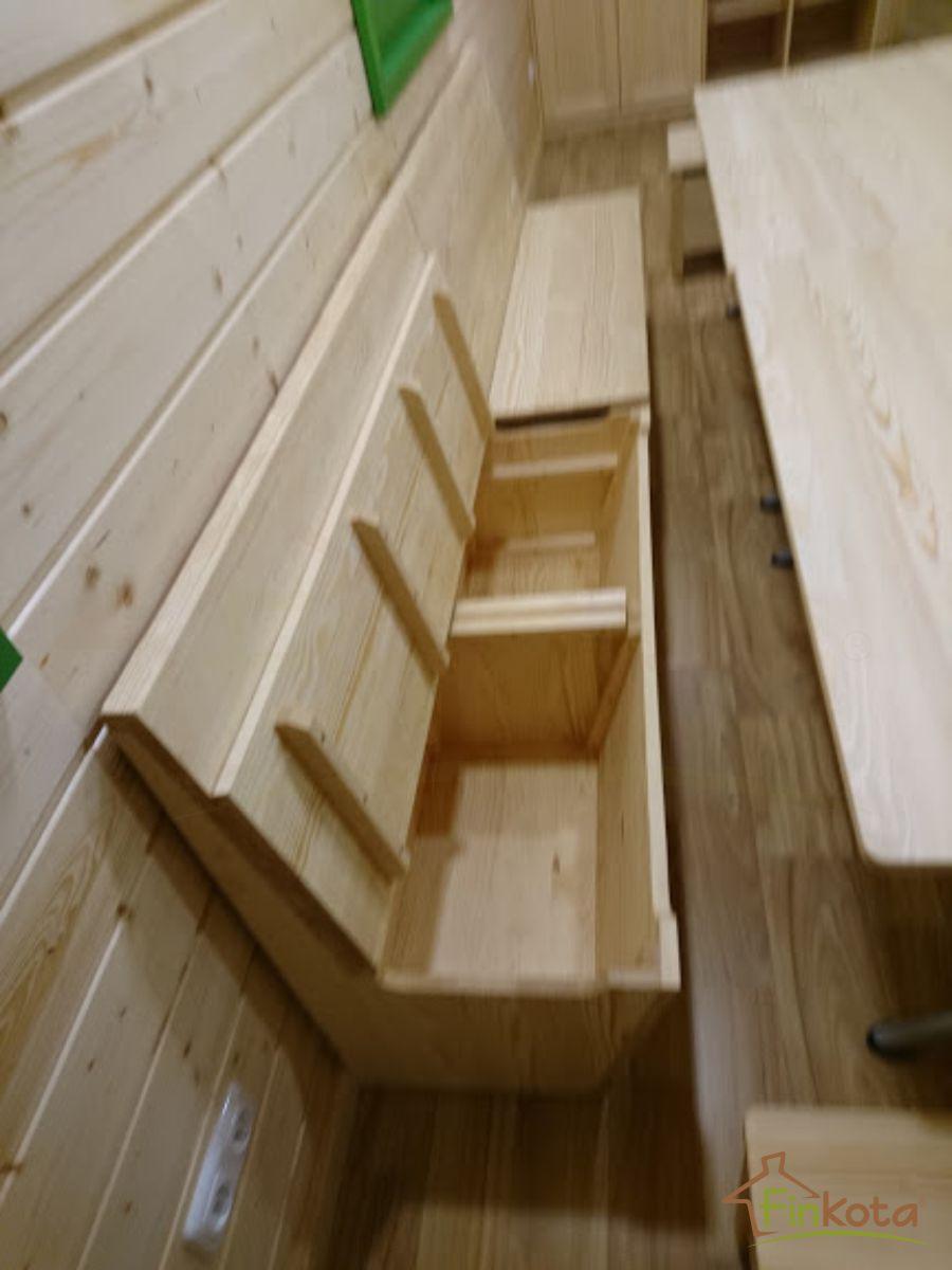 Truhenbänke verfügen über zusätzlichen Stauraum