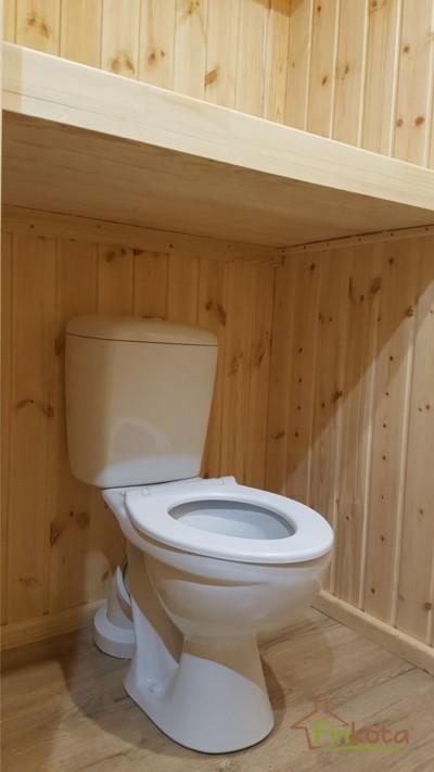 WC in Kindergröße, mit klappbarem Wickeltisch
