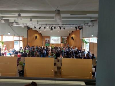 Ein voll besetztes Auditorium