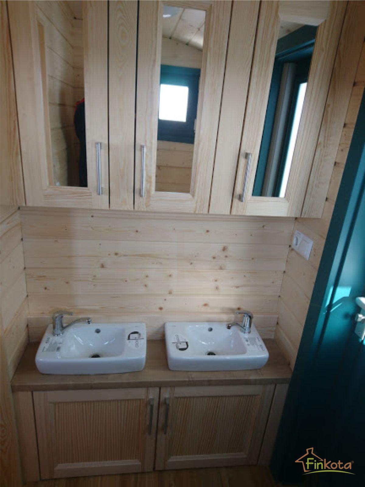 Doppelwaschbecken im Frieda