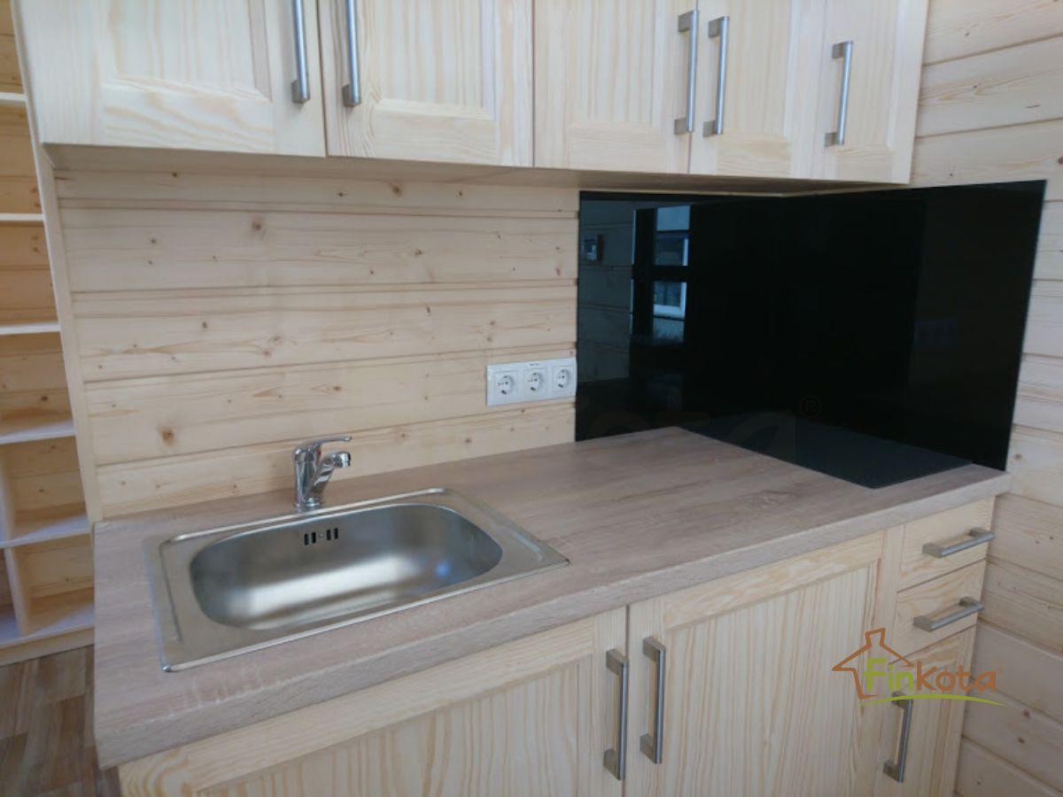 Küche mit Elektro-Kochplatte